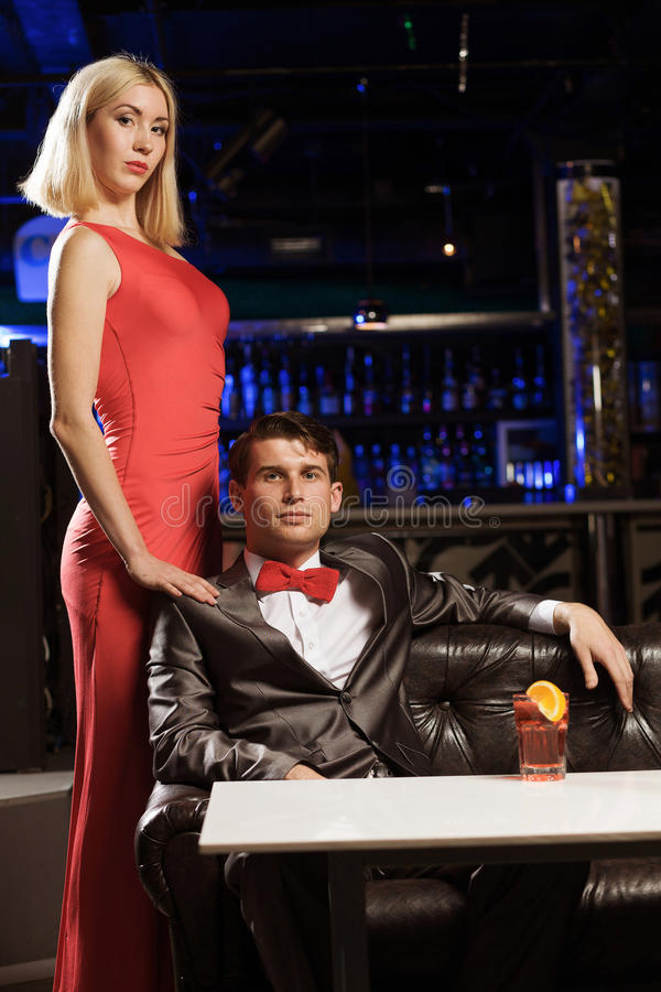 Download Шикарные пары стоковое изображение. изображение насчитывающей flirt - 41650639