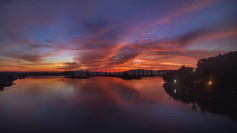 шикарный восход солнца стоковые изображения