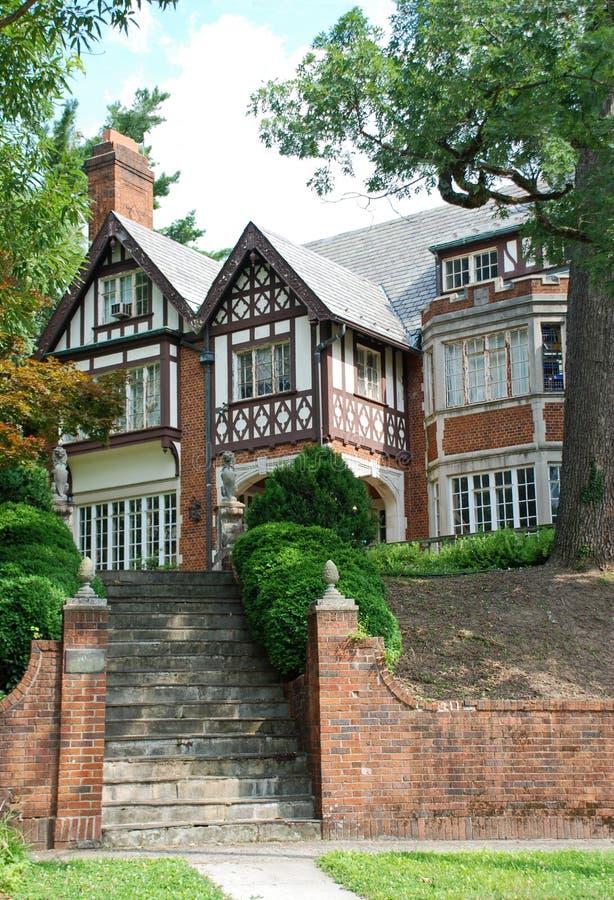 Шикарный высококачественный дом стоковая фотография rf