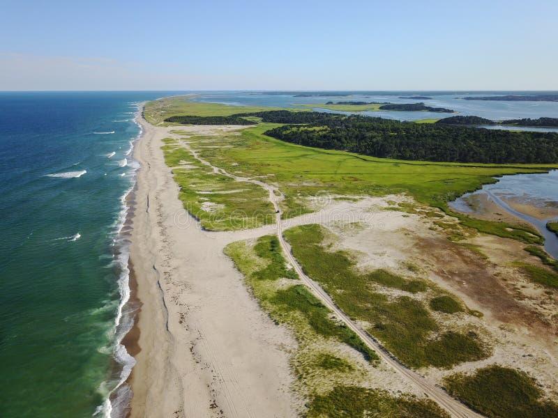 Шикарный пляж трески накидки в лете стоковое изображение rf
