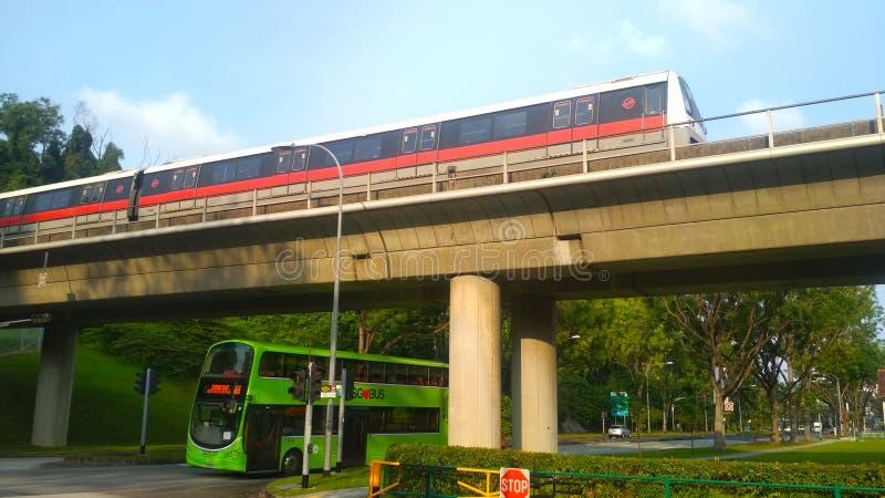 Шина и MRT стоковое изображение