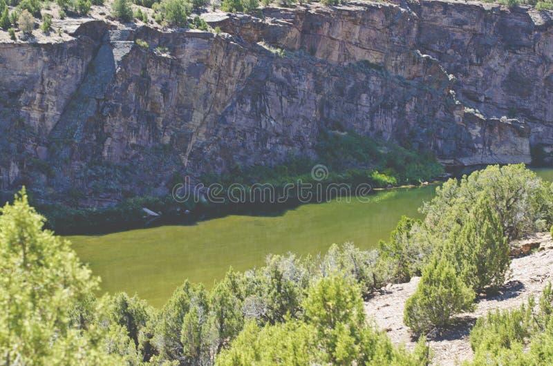 Широкий взгляд вниз с холма Green River стоковая фотография