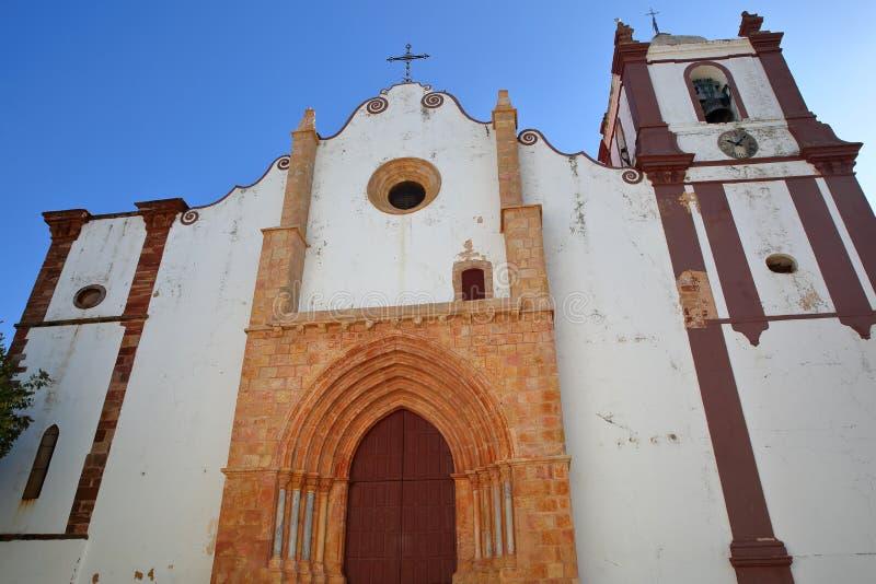 Широкоформатный на внешнем фасаде Se собора Silves, Алгарве стоковая фотография