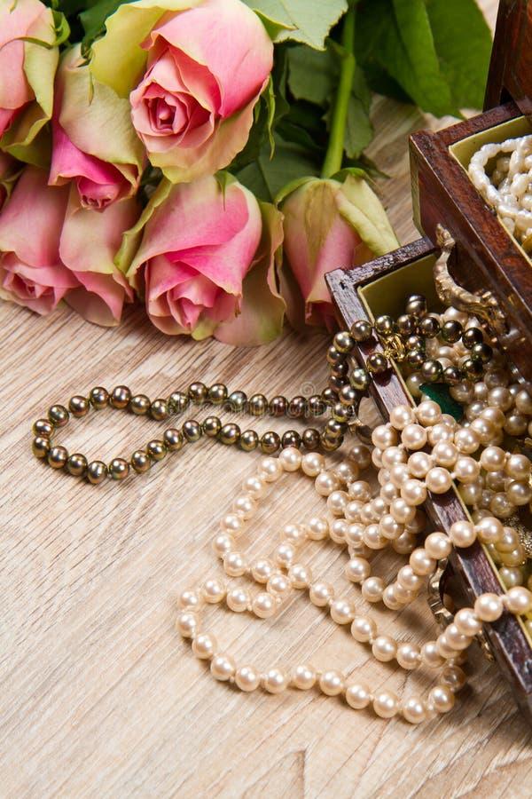 Шкатулка для драгоценностей стоковое изображение rf