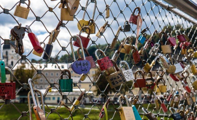 Шкафчики влюбленности стоковое фото rf
