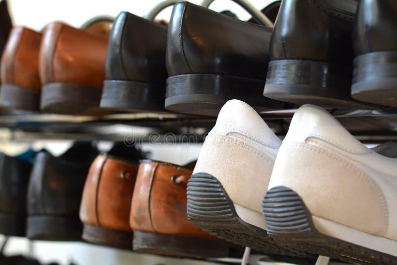 Шкаф ботинка стоковые изображения rf