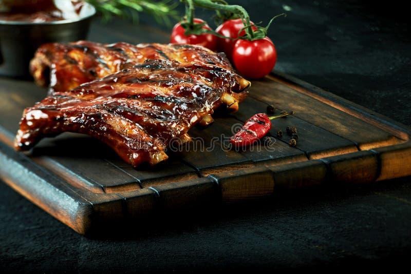 Шкаф пряных barbecued нервюр chili запасных стоковое фото rf