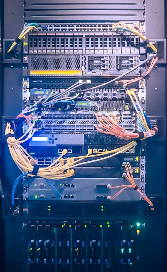 Шкаф сервера в центре данных стоковое фото rf