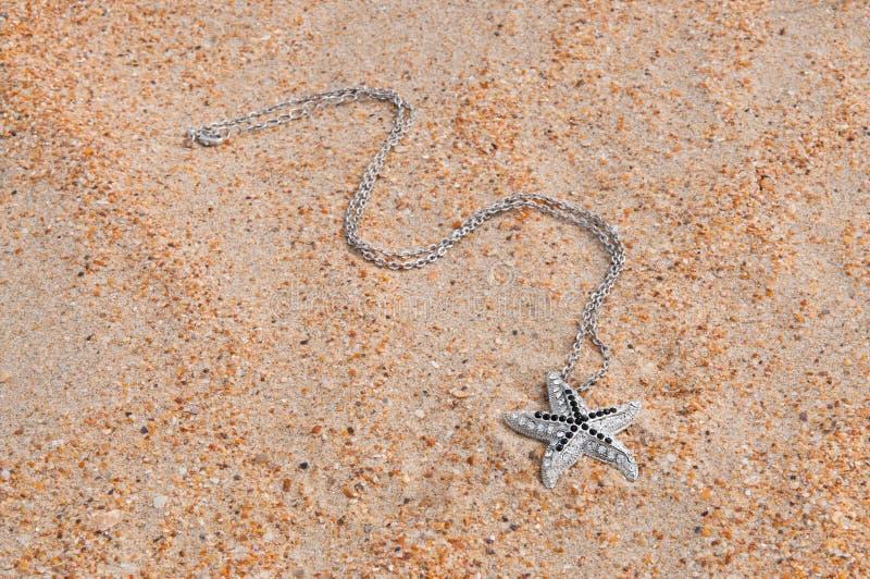 Шкентель на песке моря стоковые изображения