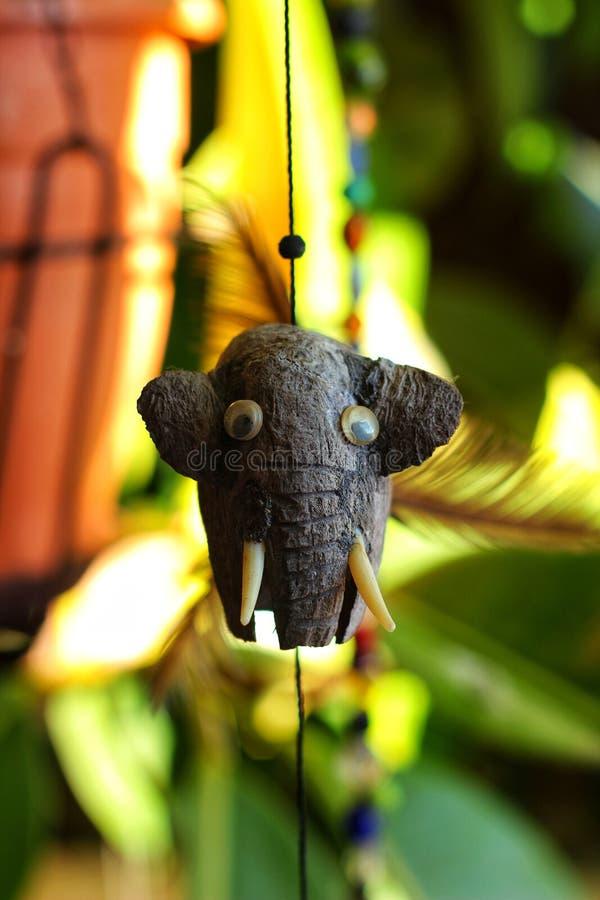 Шкентель слона декоративный в саде стоковые фотографии rf