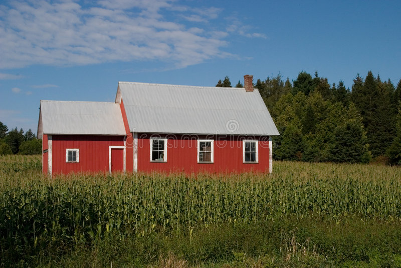 школа дома старая красная стоковая фотография