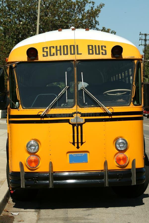школа шины передняя стоковое изображение