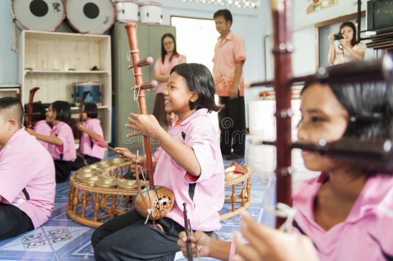 Школа Nong Bua Tai запрета, Sot Mae, Tak, Таиланд 21-ое февраля 2013 стоковые фото