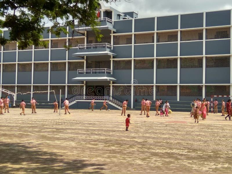 Школьный городок Маунт Кармель в Индии в Чандрапуре стоковое фото