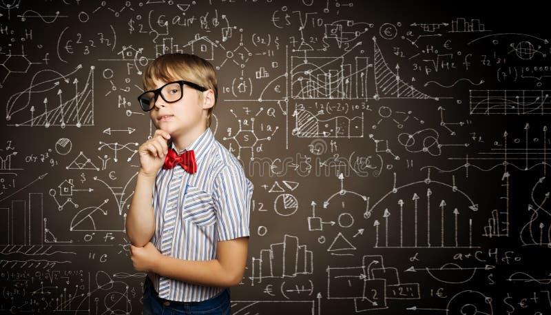Download школьник франтовской стоковое изображение. изображение насчитывающей почерк - 41651257