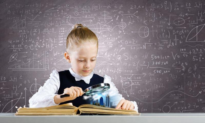 Download Школьное образование стоковое изображение. изображение насчитывающей красивейшее - 41650423