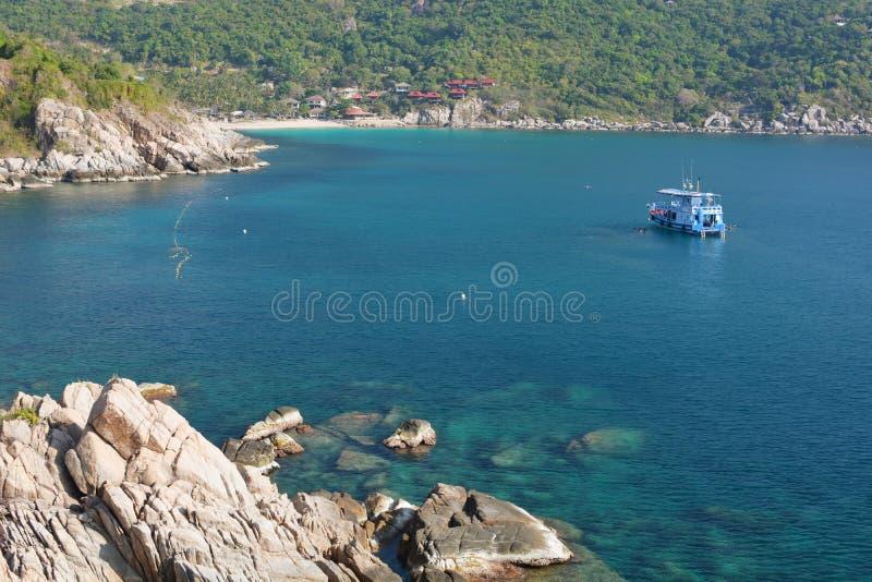 Шлюпка в заливе Hin Ngam koh tao Архипелаг Chumphon r стоковое изображение