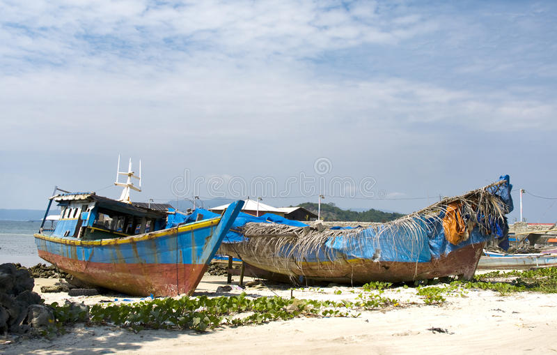 Шлюпка рыболова, Суматра, Индонезия стоковое фото