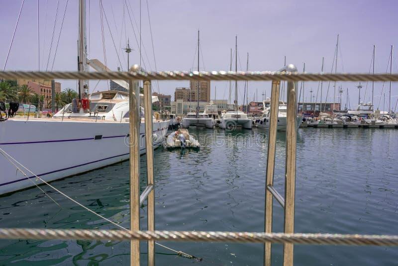 Шлюпки в гавани Кальяри стоковая фотография rf