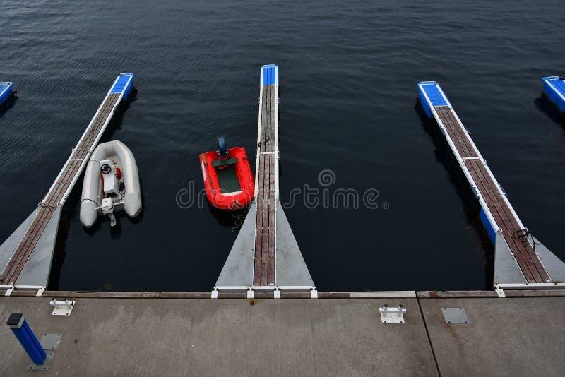 Шлюпки в гавани Alesund, Норвегии стоковая фотография