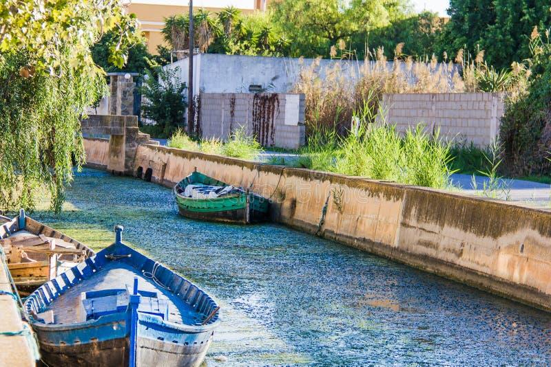 Шлюпки в канале в El Palmar стоковое изображение rf