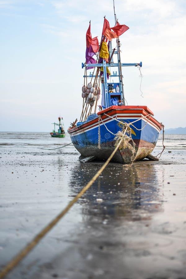 Шлюпки и море стоковое изображение rf