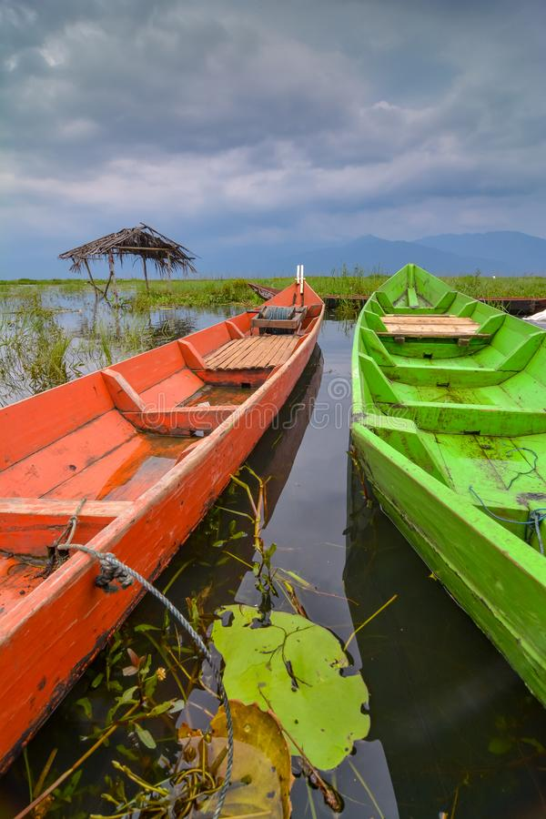 Шлюпки на озере Rawapening стоковое фото