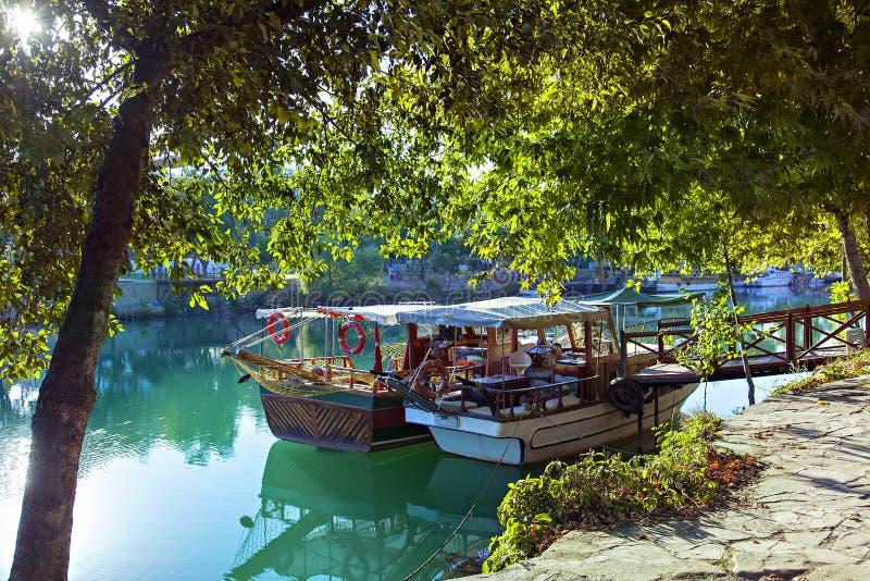 Шлюпки реки Manavgat стоковое фото rf