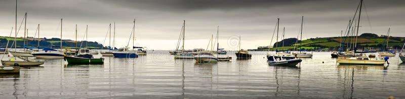 Шлюпки с побережья falmouth стоковое изображение rf