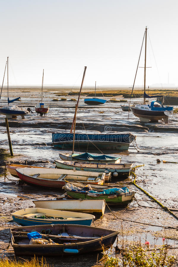 Шлюпки Leigh на малой воде стоковое фото rf