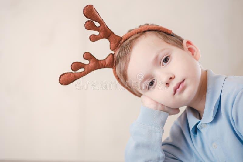 Шляпа студии ребенка мальчика ребенк Милое маленькое стоковая фотография
