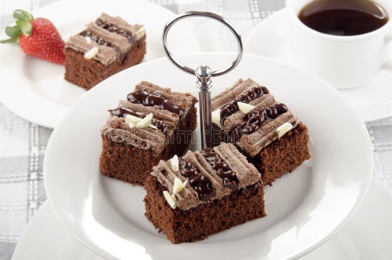 Download Шоколадный торт на стойке торта Стоковое Изображение - изображение насчитывающей чашка, красно: 40577115