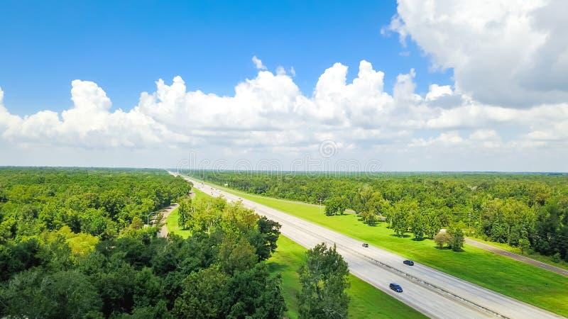 Шоссе 10 вида с воздуха межгосударственное около зоны отдыха от Техаса к l стоковые фотографии rf