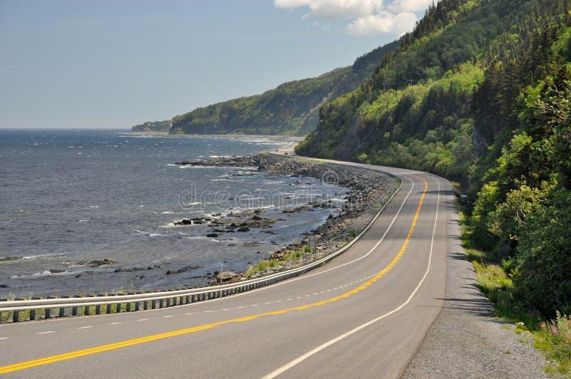Шоссе 132 на побережье Рекы Святого Лаврентия в Квебеке, Канаде стоковое фото rf
