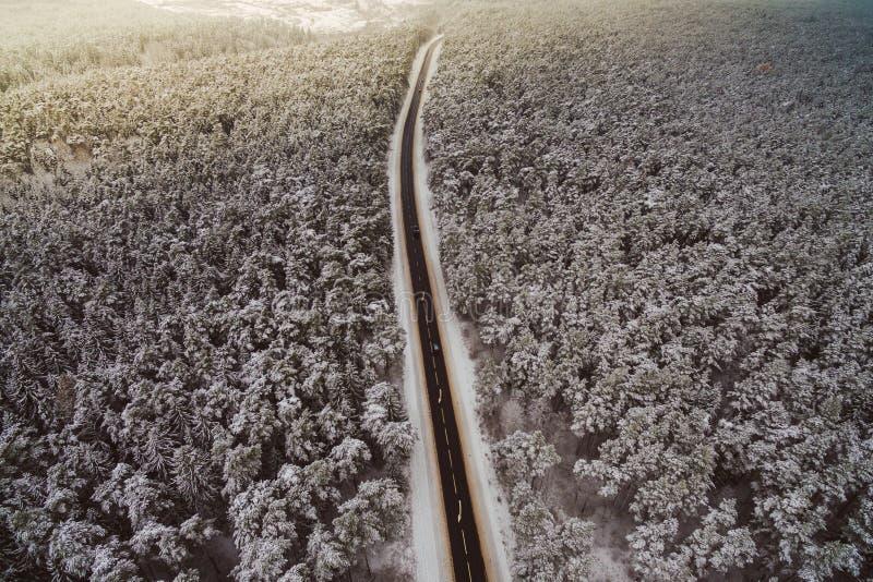 Шоссе, сцена зимы стоковые изображения
