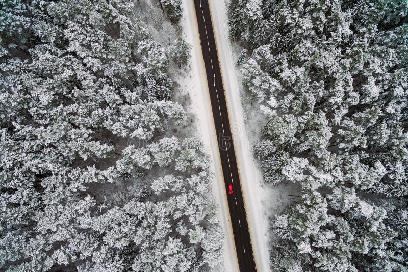 Шоссе, сцена зимы стоковая фотография