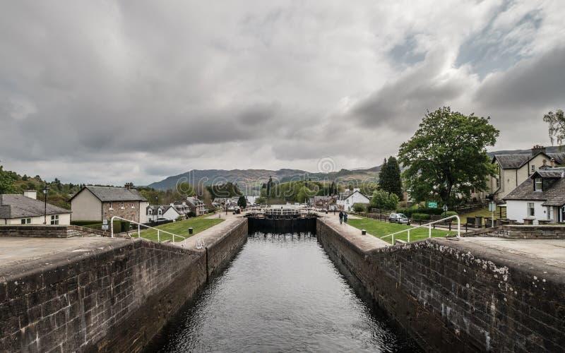 Шотландский канал на форте Augustus в Шотландии стоковые изображения