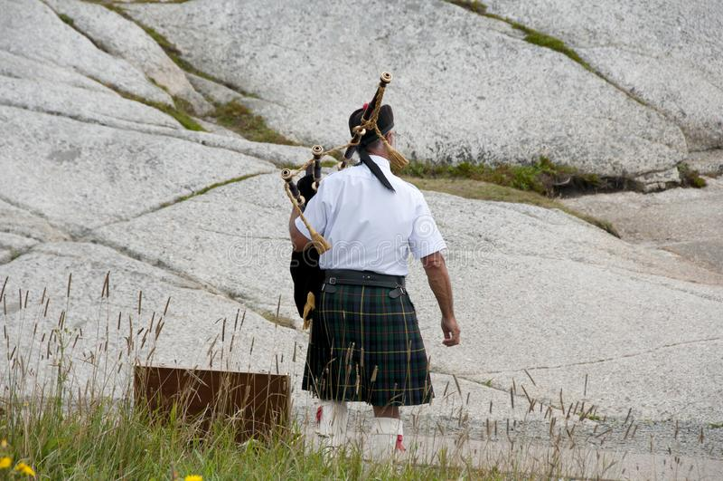 Шотландский игрок волынки стоковая фотография rf