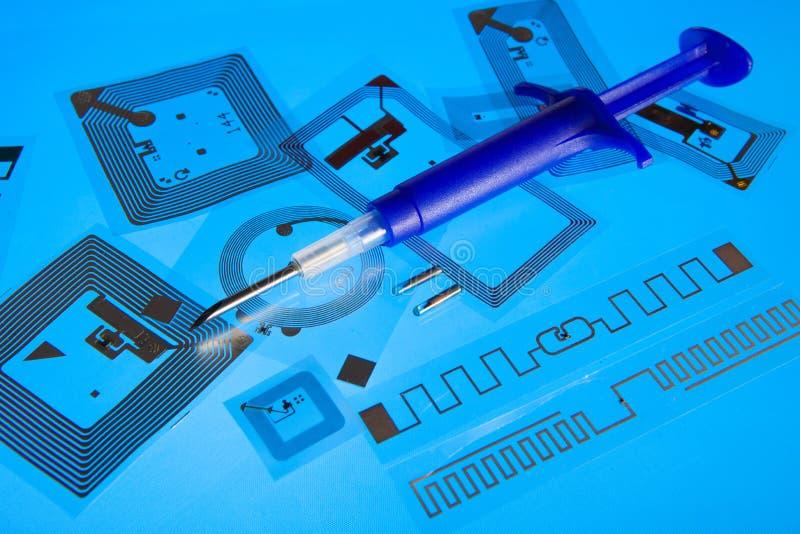 Шприц вживления RFID и бирки RFID стоковое фото rf