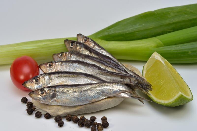 шпротина посоленная рыбами стоковые фотографии rf