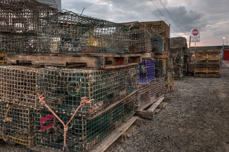 Штабелированные ловушки омара стоковые изображения
