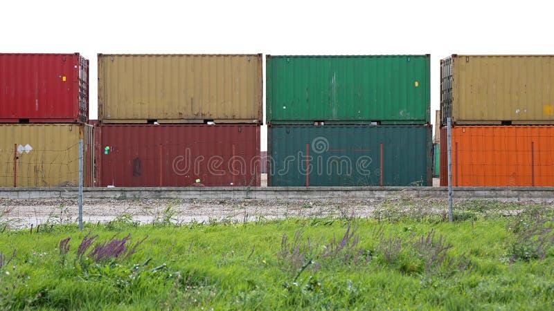 штабелированный грузить контейнеров стоковая фотография rf