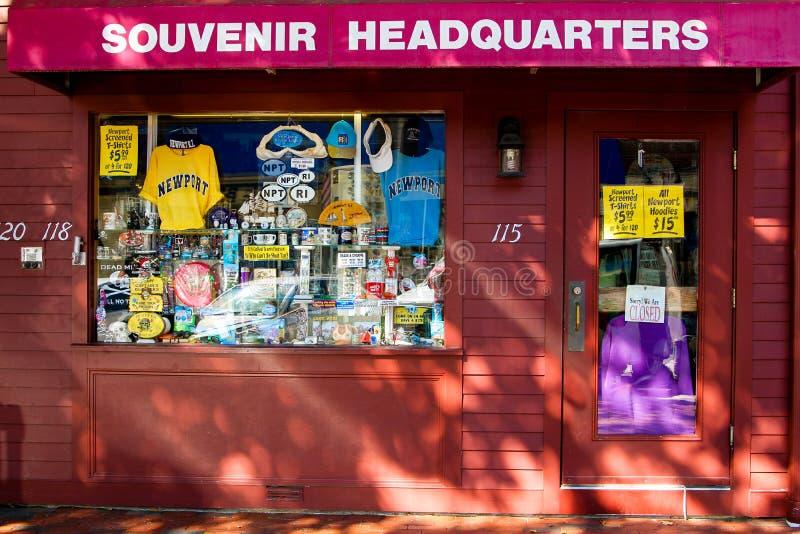 Штабы сувенира на улице Темзы, Ньюпорте, RI стоковые фотографии rf