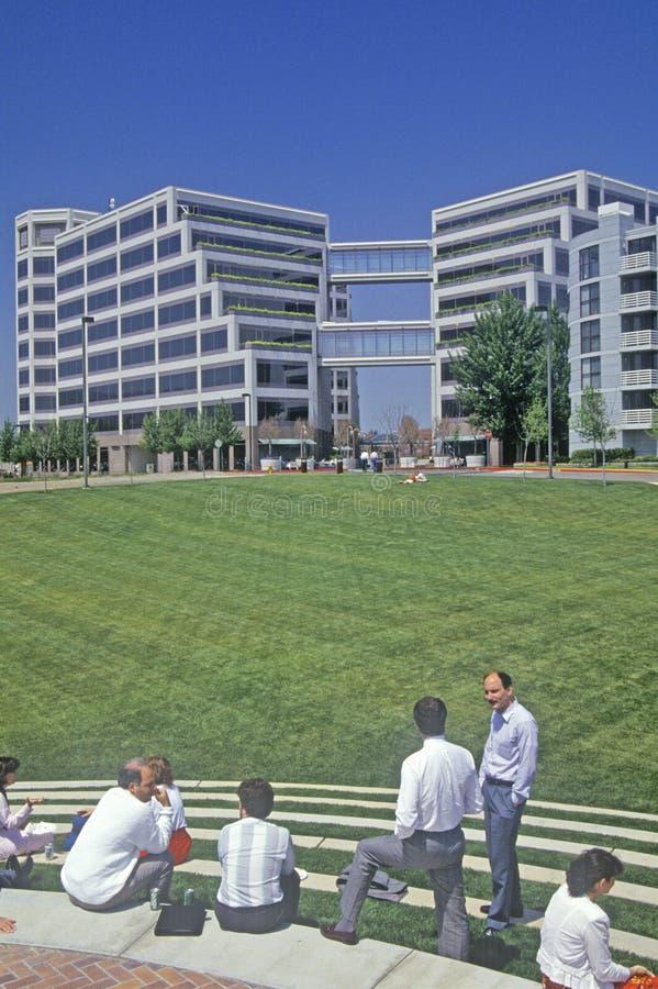 Штабы Яблока корпоративные в Кремниевой долине, Cupertino, Калифорнии стоковая фотография