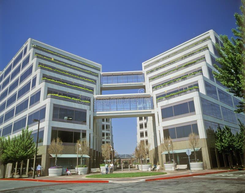 Штабы Яблока корпоративные в Cupertino, Калифорнии стоковое фото rf