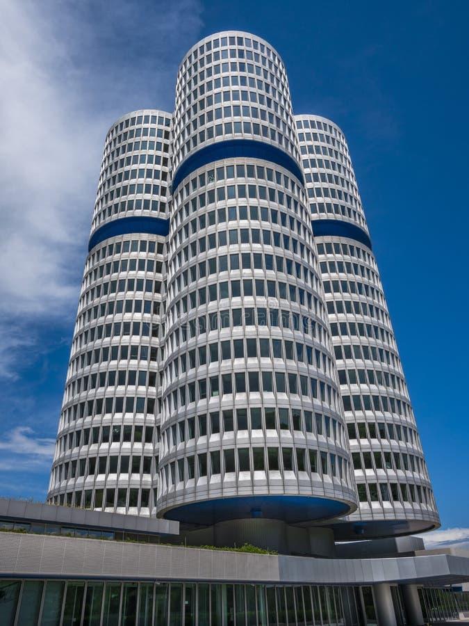 Штабы BMW в Мюнхене стоковые фотографии rf