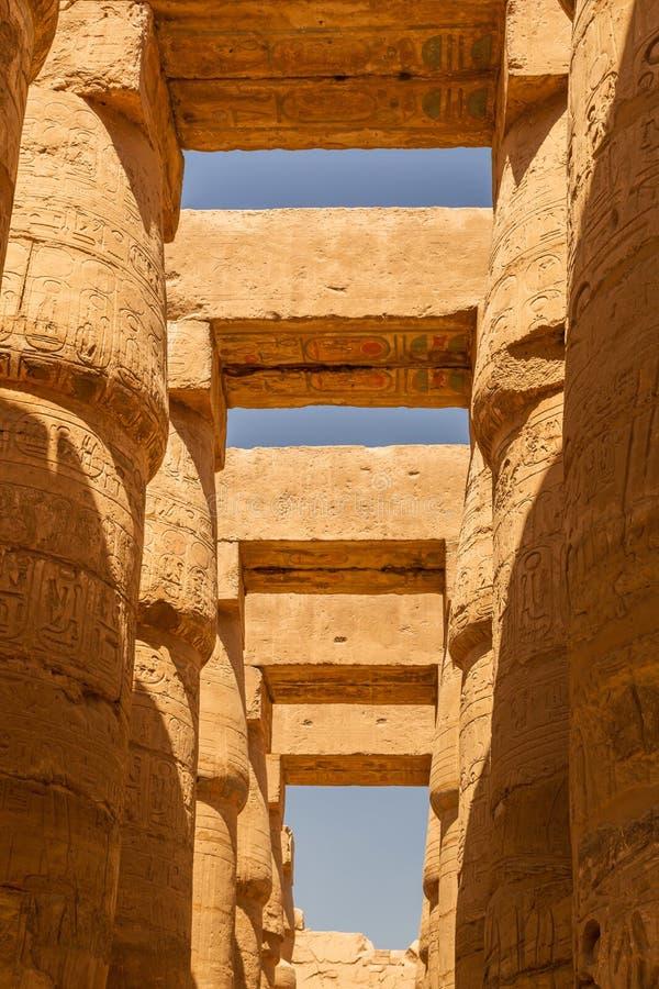 Штендеры большого Hypostyle Hall в виске Karnak стоковые изображения rf