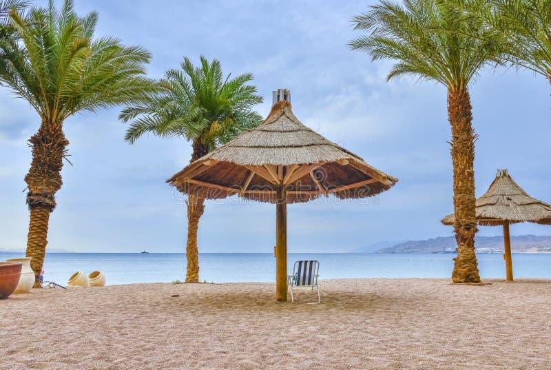 Штормовая погода на заливе Eilat - известного курортного города в Израиле стоковые фото