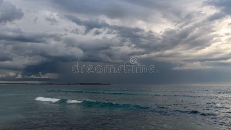 Штормы над океаном стоковая фотография rf