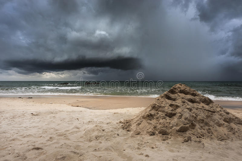 Шторм береговой линии стоковое фото rf